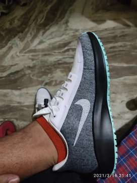 Nike original Shoes Size 8