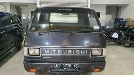 Mitsubishi L 300 Box 2003