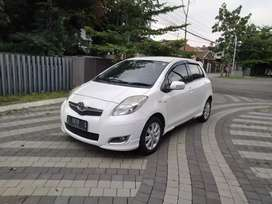 Toyota Yaris E automatic 2011 putih mutiara
