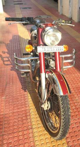 Royal Enfield   Classic 500 Chrome   Maroon   5 Years