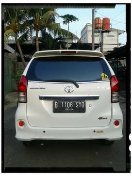 Toyota Veloz 2013 putih AT