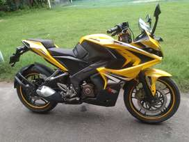 Pulsar RS200 ABS variant(price negotiable)