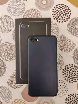 Apple iPhone 7 ( Jet Black, 128 GB)