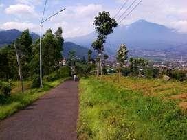tanah area vila dan guesthouse view pegungan dan kota