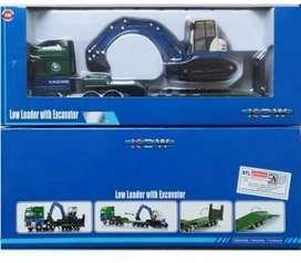 Miniatur low loader with excavator