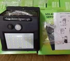 Lampu taman/dinding sensor gerak tenaga surya solar cell