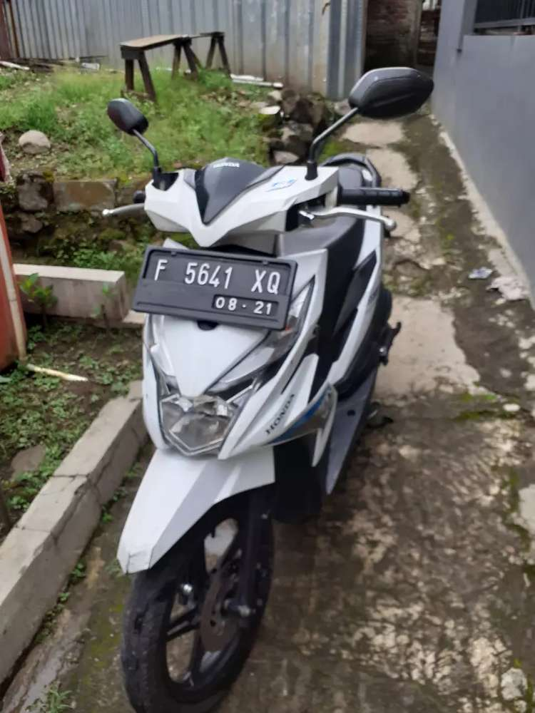 Honda Beat 108 cc (putih) thn2016