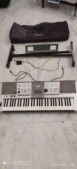Yamaha piano / keyboard