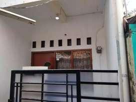 Rumah petakan 30M 2Lt masuk motor di Pd Pinang Jaksel