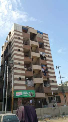 Flat for sell North Nazimabad Block S good location 4th floor