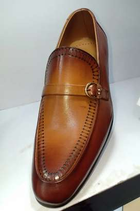 All leather new branded shoes for men's