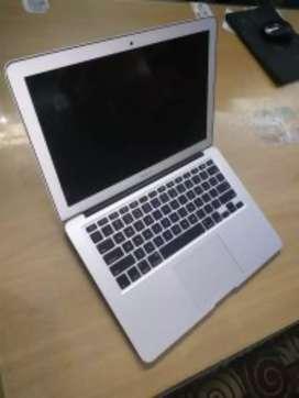 "Apple Intel Refurbished Macbook Air 1466 i5, 8GB, Screen Size: 13.3"""