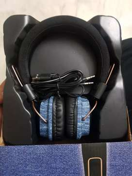 Levi's headphones