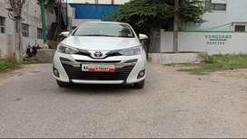 Toyota Yaris V Cvt, 2018, Petrol
