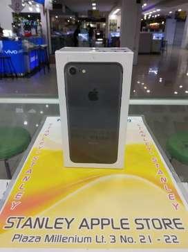 Apple Iphone 7 32GB Black New Super Promo