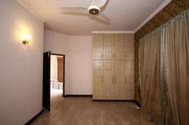 10 MARLA SPECIOUS HOUSE FOR RENT