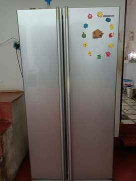 Side by side samsung 750 litre refrigerator