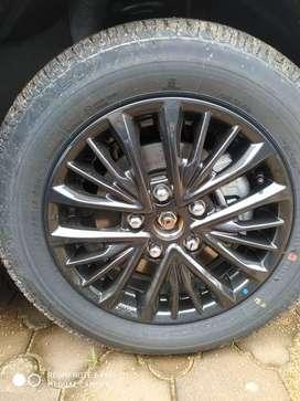 Ertiga or XL6 Maruti Suzuki unused Alloy wheels of new showroom car