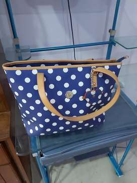 Ladies branded bags available in reasonable price