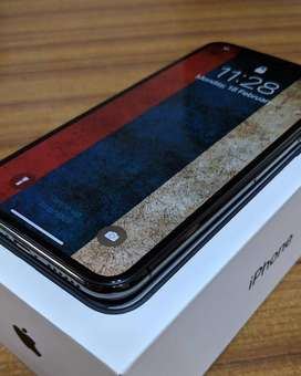 iPhone X 256GB get bill box with warranty in excellent condition