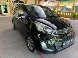 Kia Picanto 1.2 MT Hitam