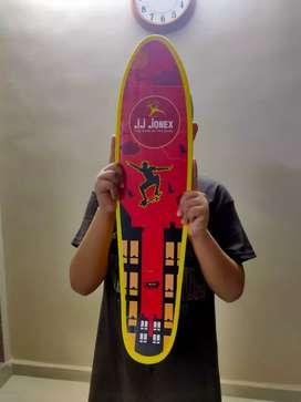 JJ jonex skateboard 100% condition 4 day used (only cash)