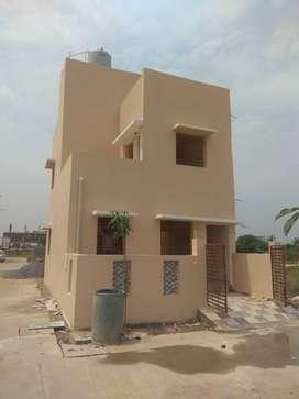 sun city 3bhk corner new duplex availalbe at saddu near vip city