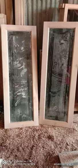 Kusen pintu jendela bahan kayu Kalimantan bekas jadi baru