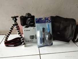 Jual kamera mirorless Canon M50 terawat baik. BU