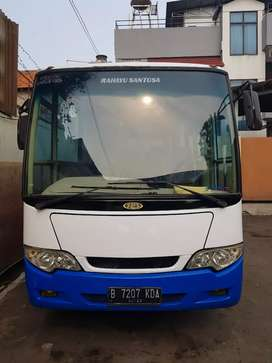 BUS Medium Isuzu NKR 71 th 2013. Mobil bagus. Karoseri RS. AC ND.