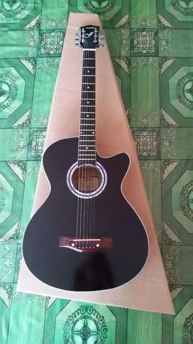 Gitar akustik standart yamaha