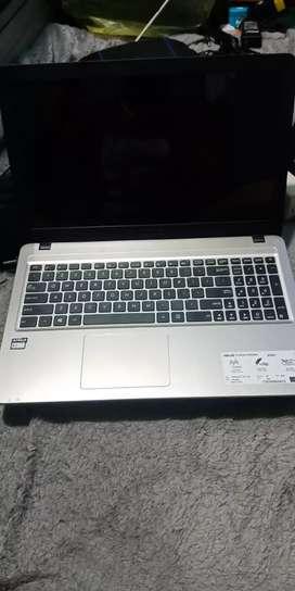 """Laptop Asus X540Y layar 15.6"""" mulus banget"""