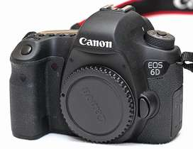 Canon 6D mark ii in superb condition under warranty (only body)