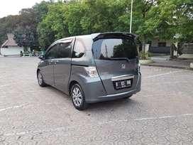 Cash atau Credit DP Murah Honda Freed E Automatic 2010