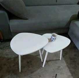 Meja sepasang minimalis