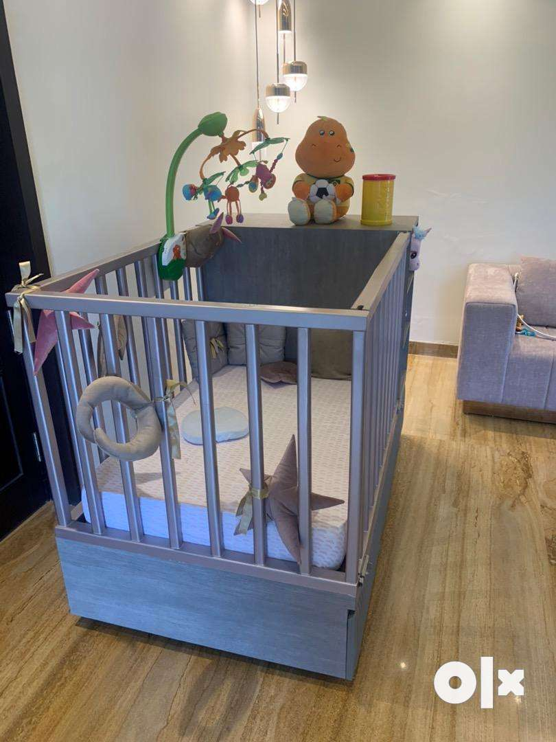 Baby cot with six drawers and 3 shelves 0