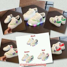 IC18-three colors kids girls LED floral sporty shoes