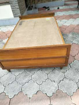 Quality Teak Wood 6.25/4 feet size Cot