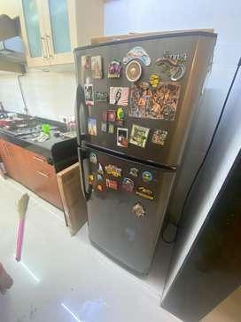 Double door croma fridge