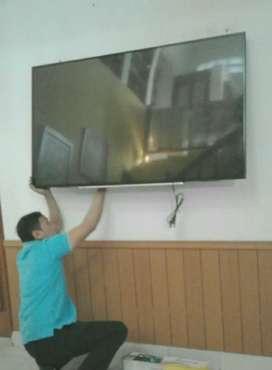 pemasangan jual bracket utk gantungan tv lcd led di dinding kuat aman