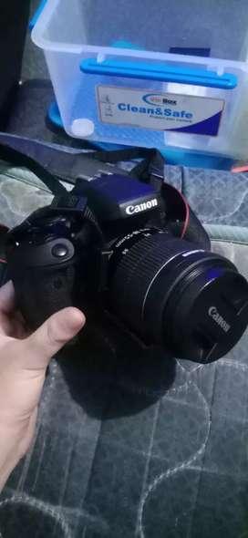 Kamera DSLR Canon EOS 750D