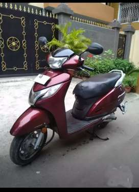 Honda Activa 125cc full new condition  with my girenty