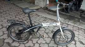 sepeda lipat uk20 merk new phoniex barang mulus tinggal pakai