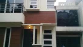 Rumah di Townhouse dekat gate Andara Tol Desari