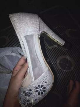 sepatu perempuan hils