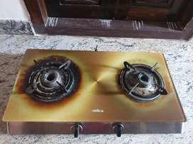 Glass top gas stove