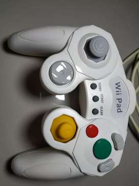 Wii pad controller for gamecube