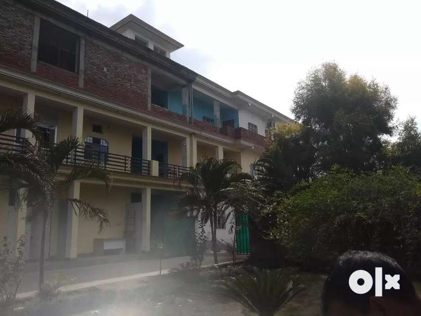 24 Rooms commercial building for rent 0
