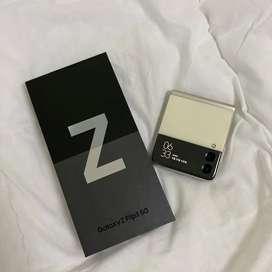 Samsung Zflip3 8/256gb cream