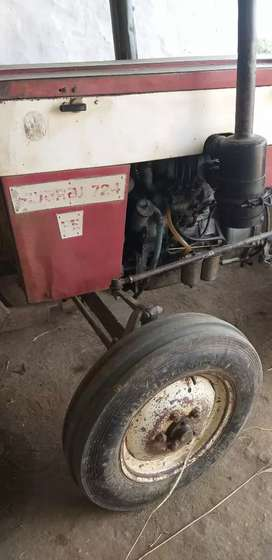 Shwaraj 724 Tractor and multycrop thrasher